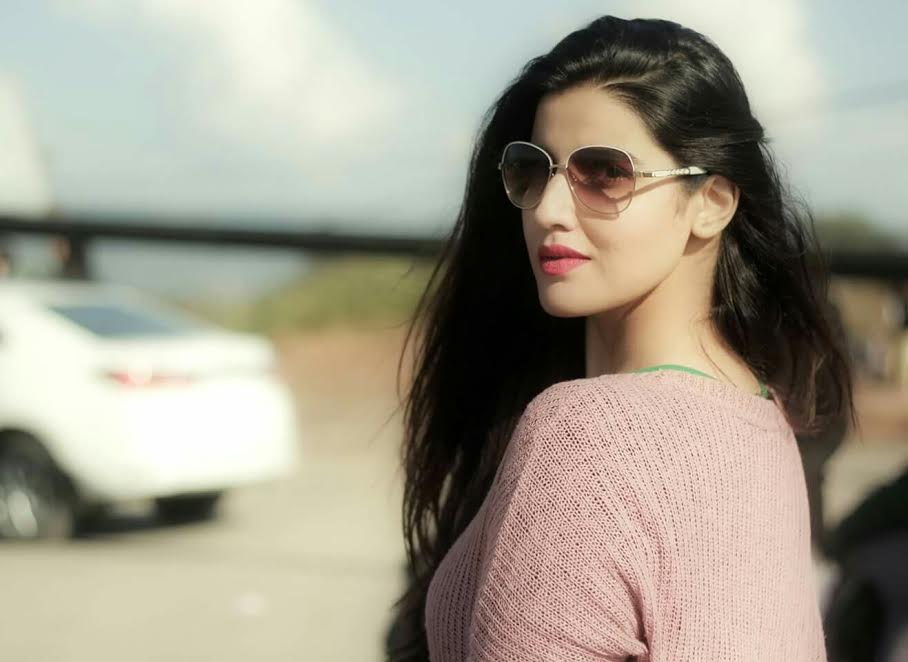 Hareem Farooq's story of looking Gorgeous